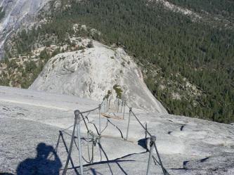 ハーフドーム・一般道頂上直下(上から)