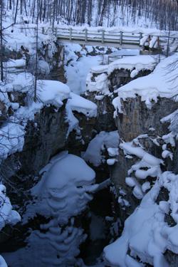 Marble Canyon へは、ここから懸垂で降りる