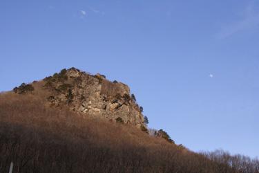 駐車場からの鎌倉山