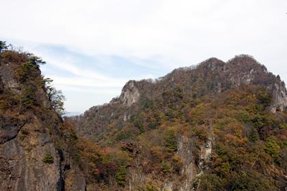 相馬岳と歩いてきた稜線