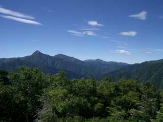 北岳から塩見岳への稜線