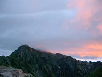 朝焼けの劔岳