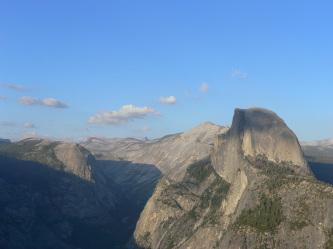 Glacier Point から Half Dome
