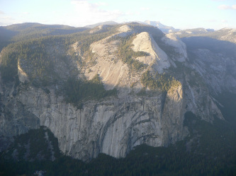 Glacier Point から Royal Arch と Washington Column、North Dome