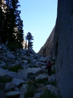 Liberty Cap の壁沿い
