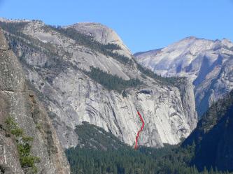 Royal Arch 赤線が登ったライン