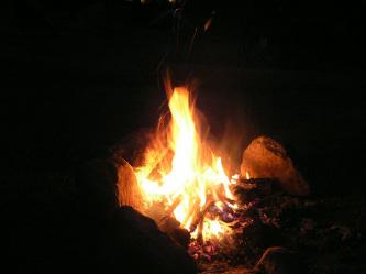 キャンプと言えばやっぱ焚き火だよなぁ~