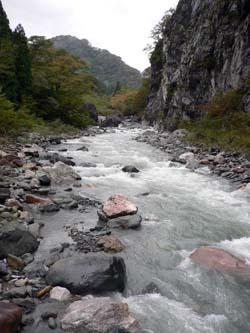 小滝川増水中