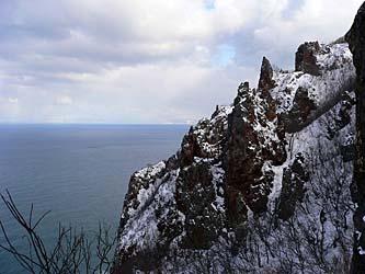 赤岩はすぐ後ろが海