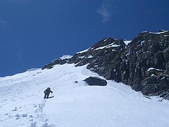 山頂直下の緩斜面