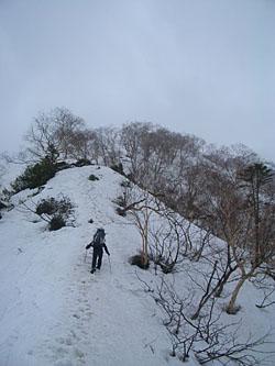 赤岩尾根を登る
