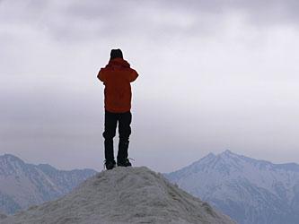 剱岳山頂 右奥が鹿島槍ヶ岳