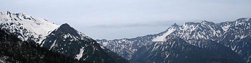 抜戸岳と槍穂の稜線