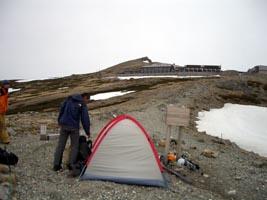 テントと白馬頂上小屋