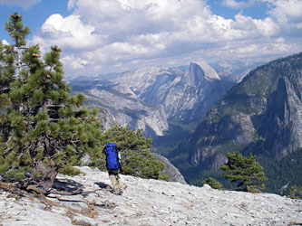 El Capitan 頂上台地より下降へ